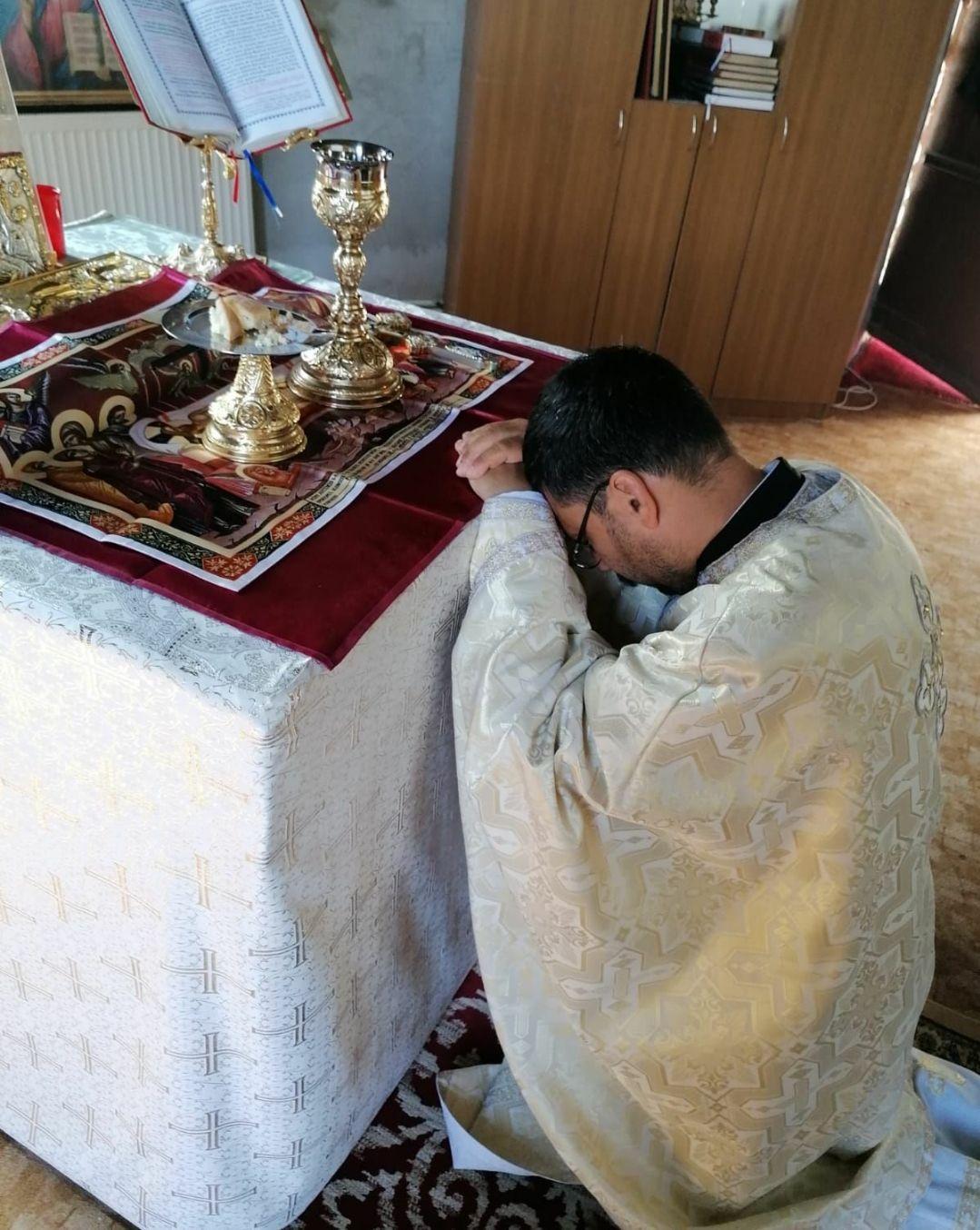 Preotul mai întâi trebuie să se roage pentru sine